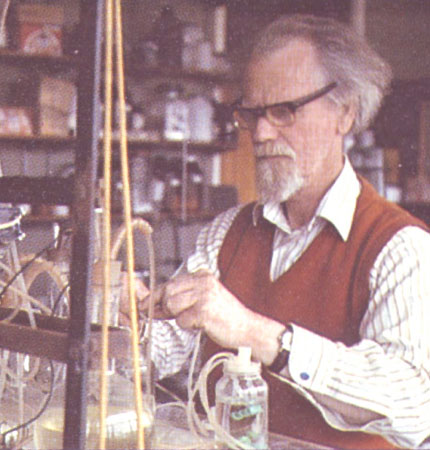 Dr Droop in the laboratory at Dunstaffnage developing cultivation methods